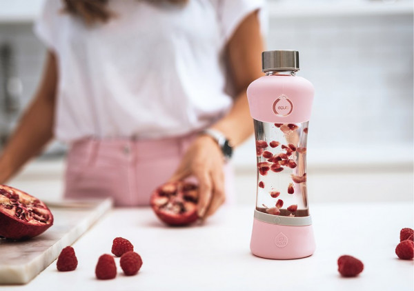 Pomegranate-infused-Water-Recipe-equa-glass-Trinkflasche-healthy-lifestyle_1024x1024
